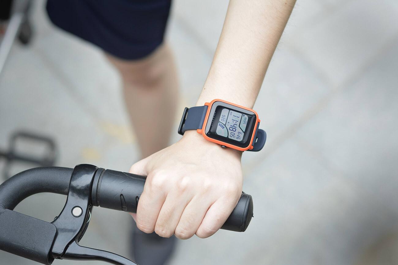 Amazfit Bip Un Look D Apple Watch Et Un Mois D Autonomie